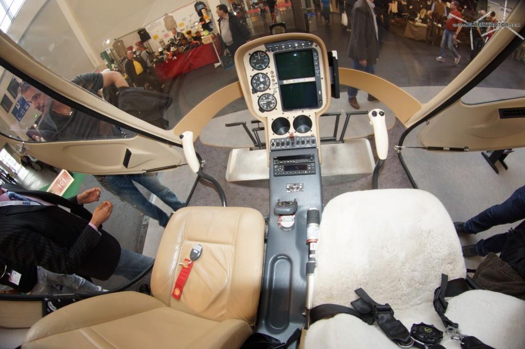 GUIMBAL Cabri cockpit