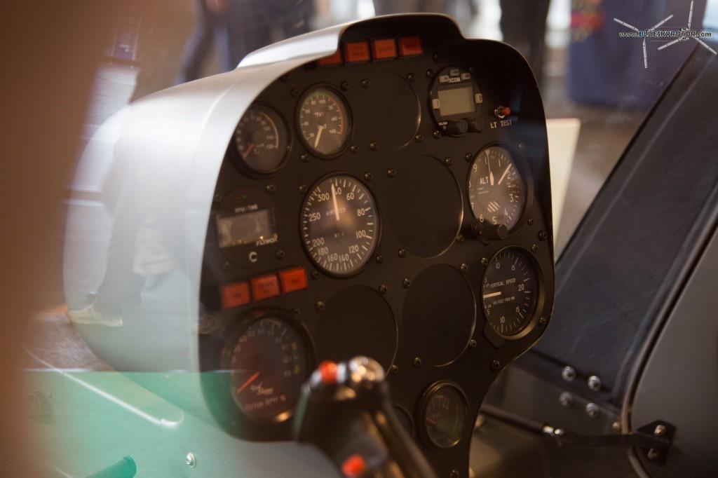 Syton AH130 dashboard