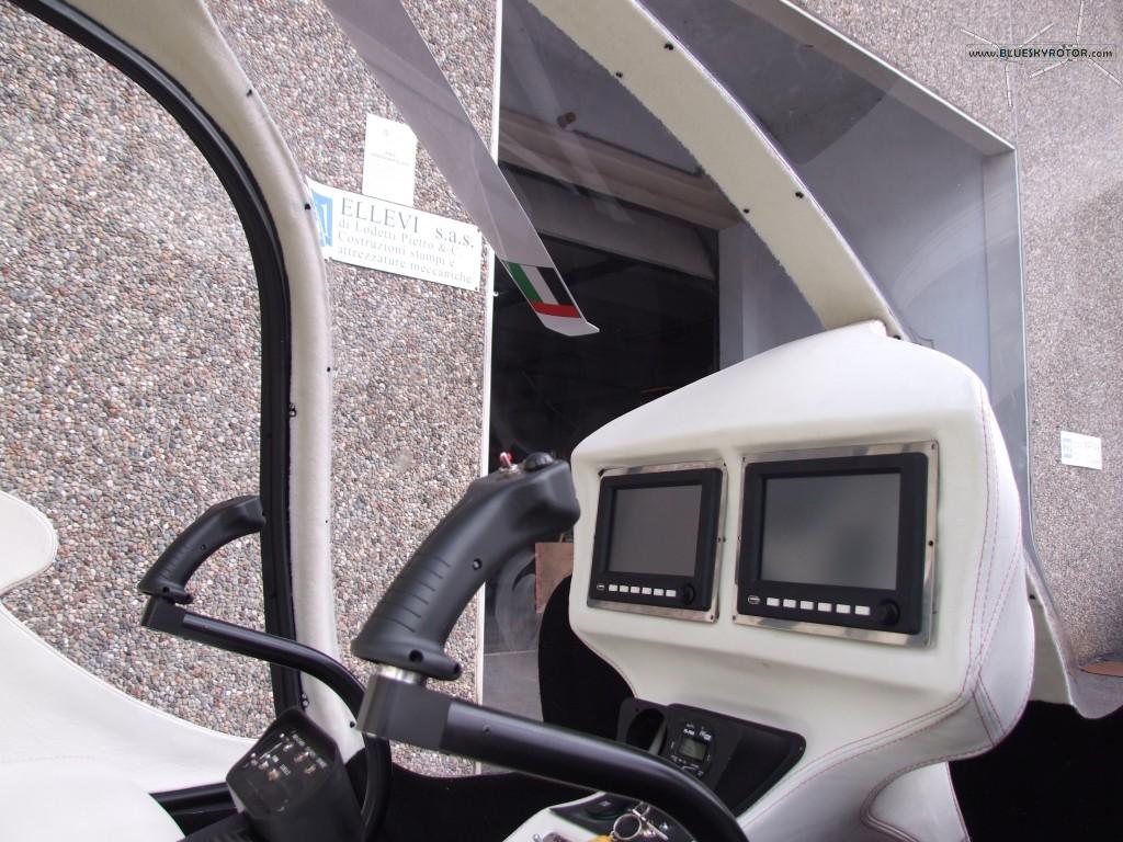 SKT Skyrider 06 cockpit