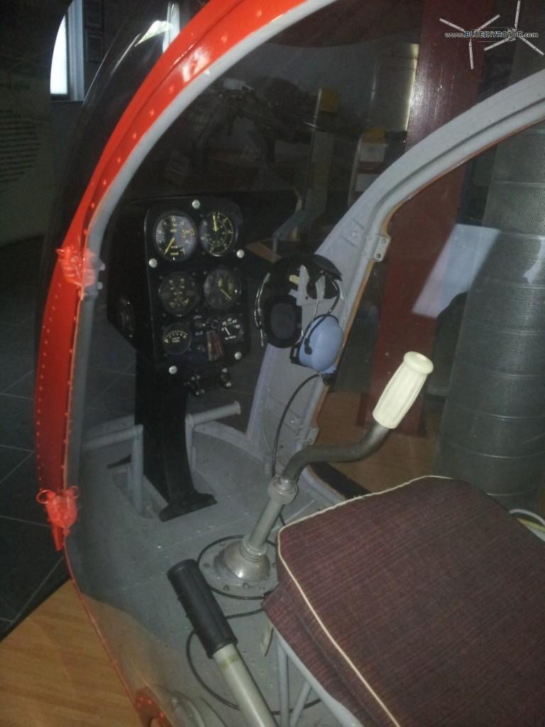 A103_cockpit