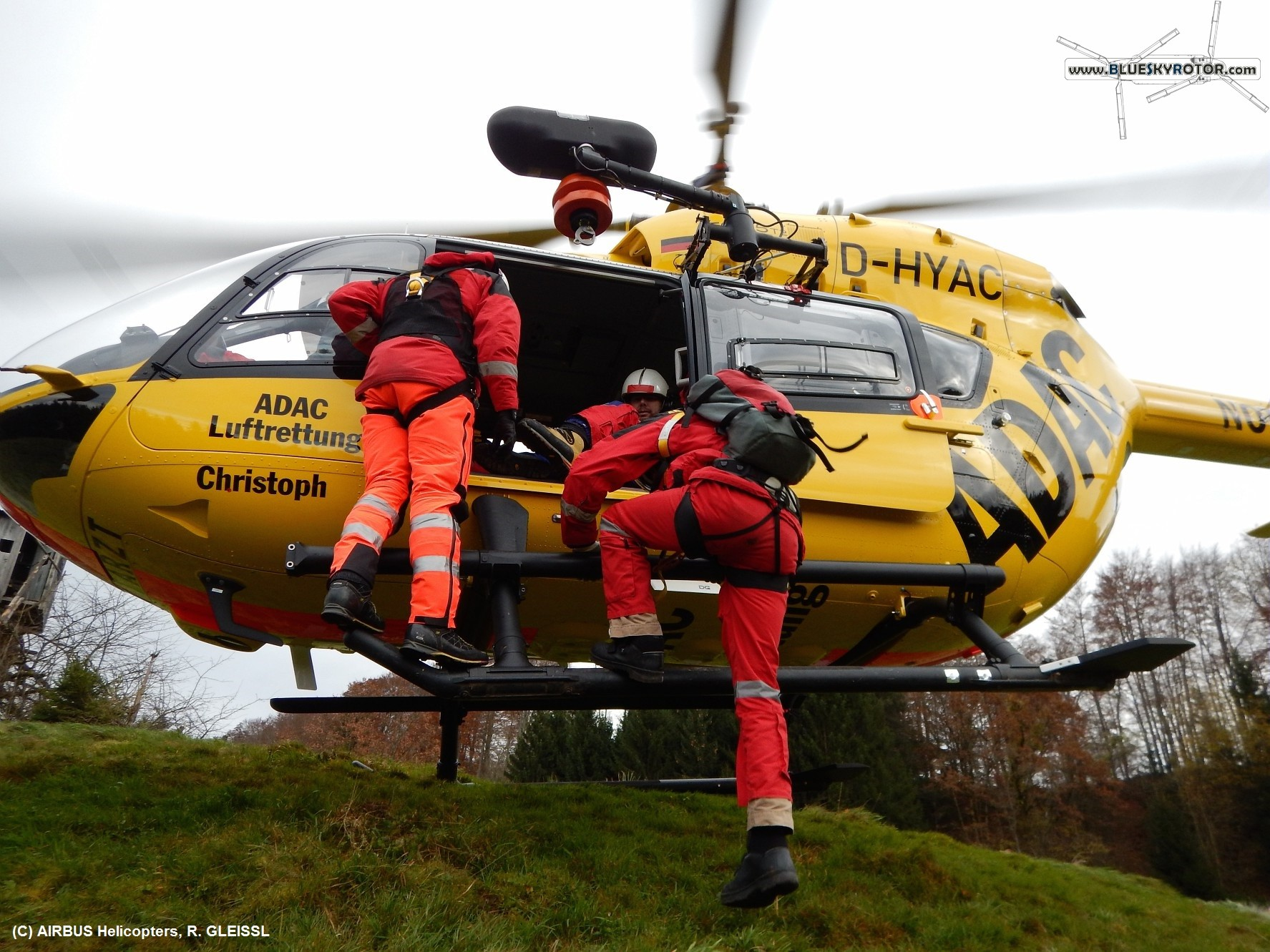ADAC'S FIRST EC145 T2 RESCUE WINCH TRAINING | Article ...