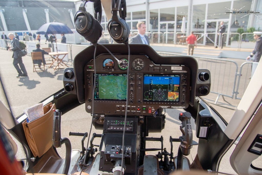 Bell 407 GX, cockpit and instruments panel