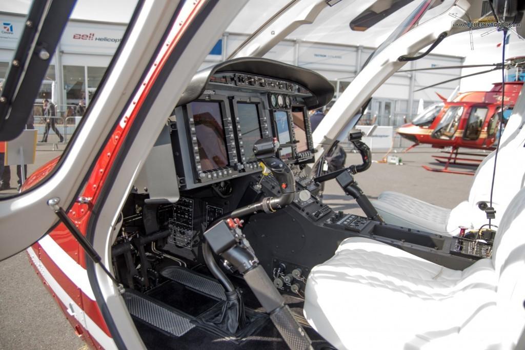 Bell 429 WLG, cockpit