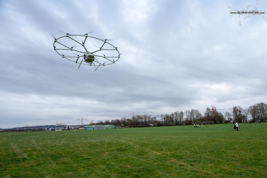 VC200 Volocopter first manned flight, from the ground