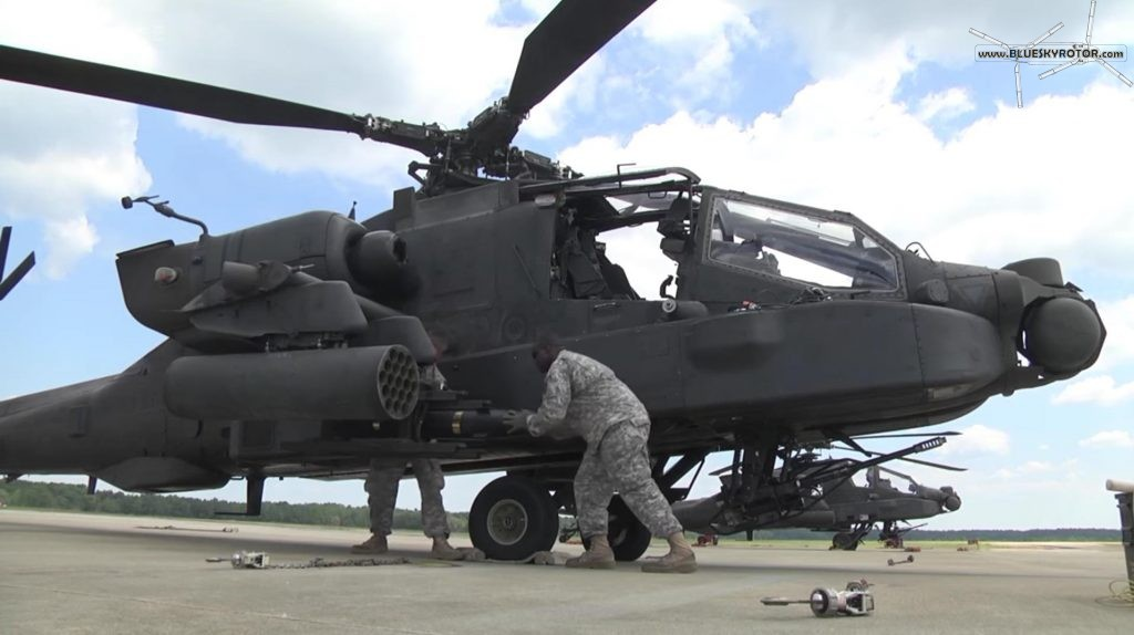Apache AH-64D, Hellfire missile loading