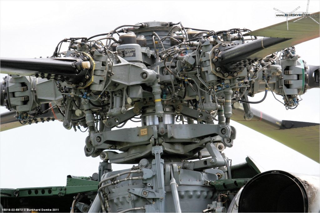 Super Frelon rotor head