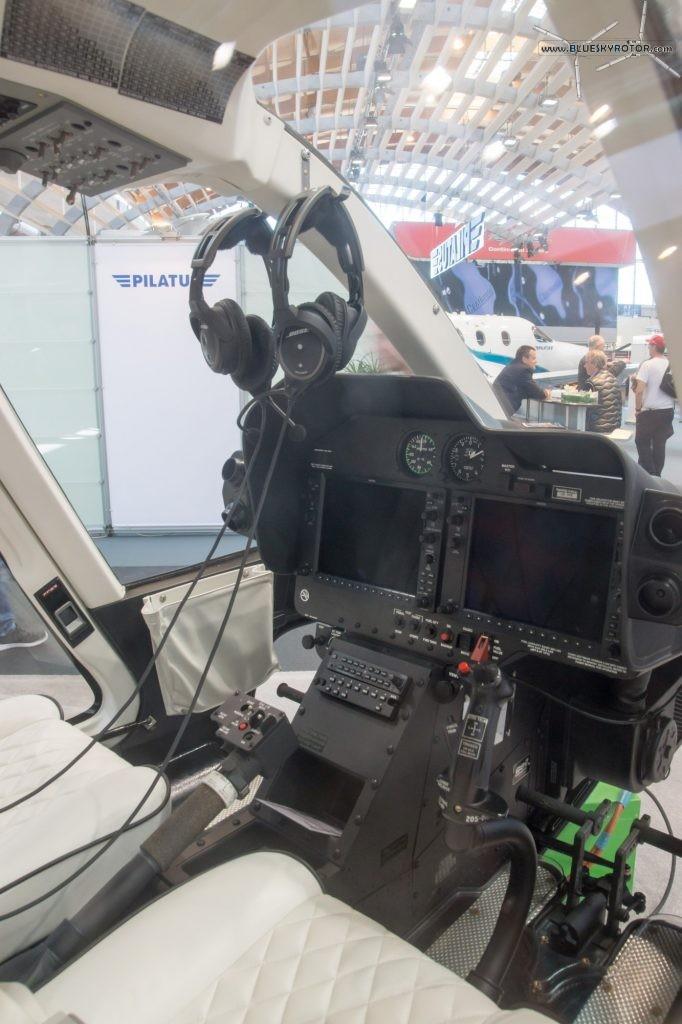 Bell 407 GXP cockpit