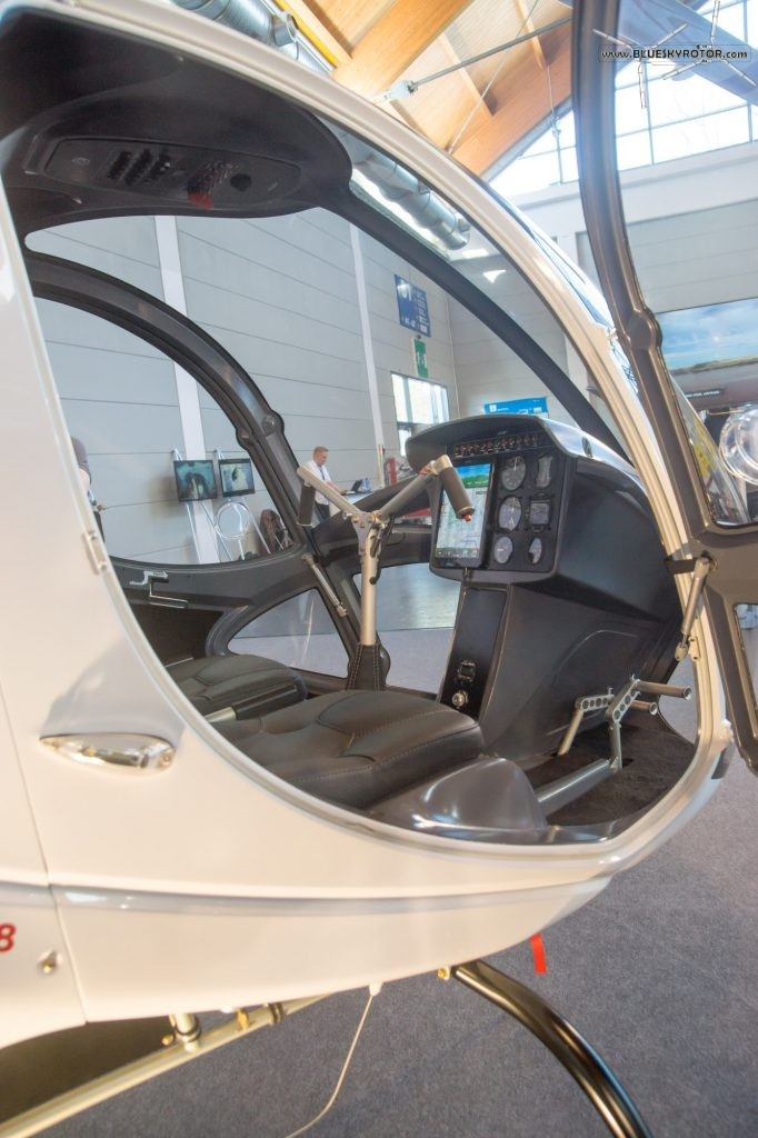 Cicaré 8 cockpit