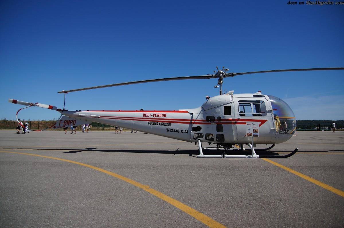 schweitzer helicopter with New Bell 47 Qydvomjba 7cyskyci2eib 7ch 7c7pgolcep27nmoa8dcqco on Robinson R66 together with 1078 also Watch additionally Ch148 as well Air Zermatt.